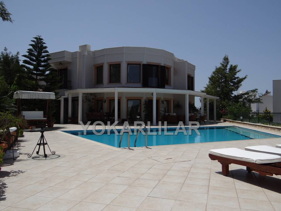 DETACHED VILLA WITHIN SEA VIEW FOR SALE LOCATED IN YALIKAVAK.