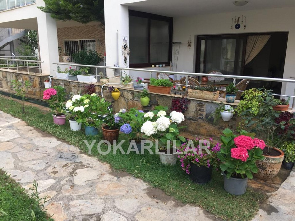 THREE BEDROOM APARTMENT IN YALIKAVAK JUST 50 M TO THE SEA