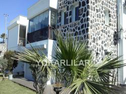 TOP FLOOR APARTMENT IN SEASIDE COMPLEX FOR SALE