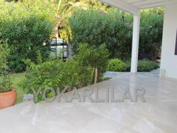 FOR SALE LUXURY DETACHED DUPLEX VILLA WITH GARDEN LOCATED IN TOWN CENTRE IN YALIKAVAK